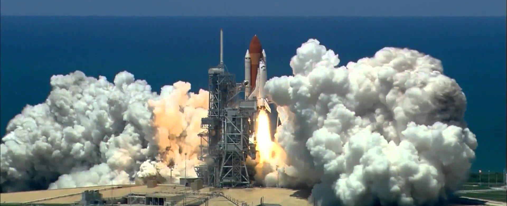 Space Shuttle Launch-@akustika.co.id